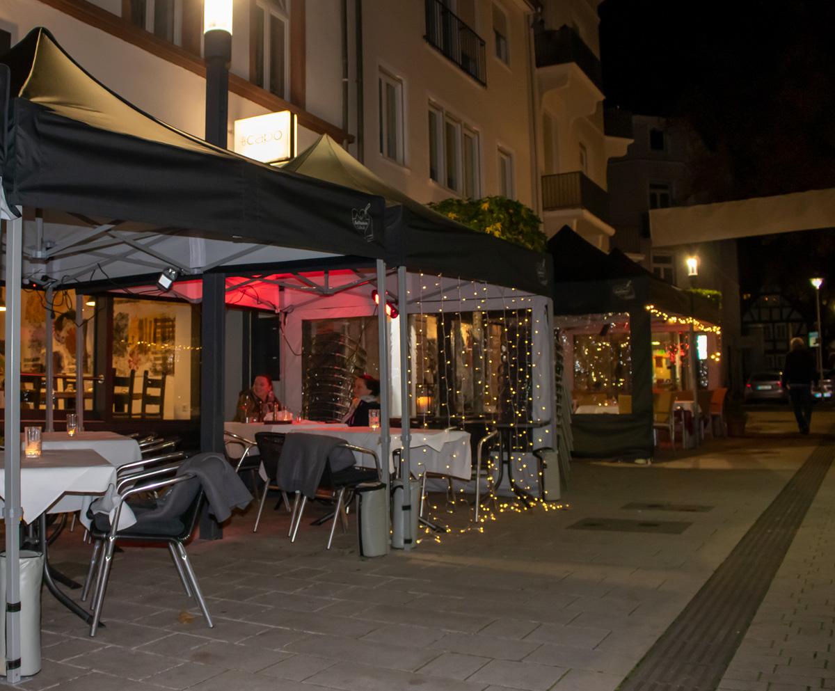 Zeltaktion Gastronomie Bad Nauheim Abends