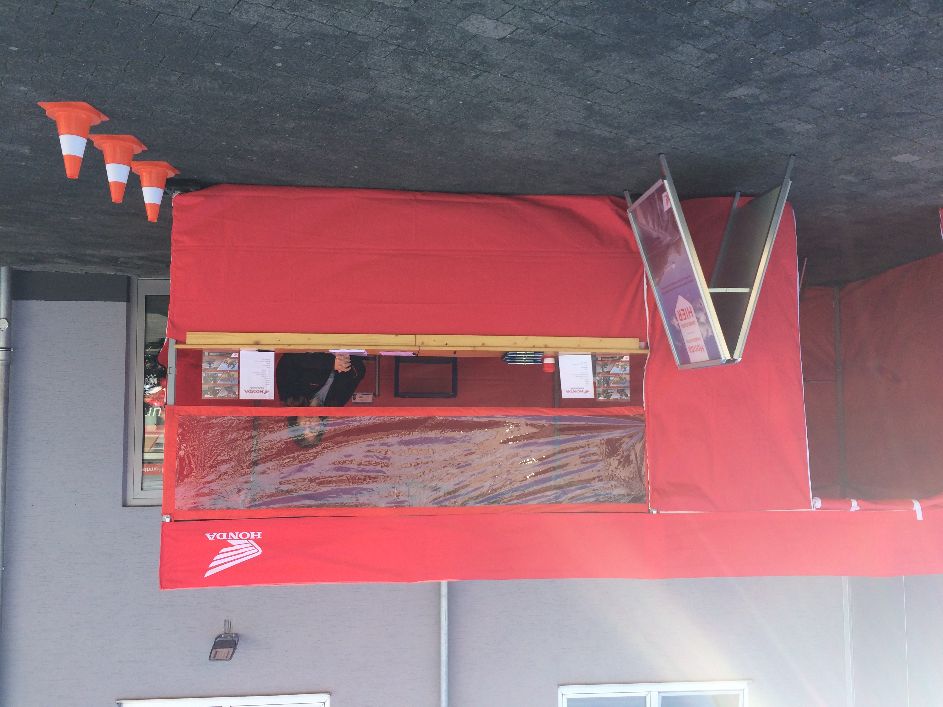 Zelt mit Spuckschutz