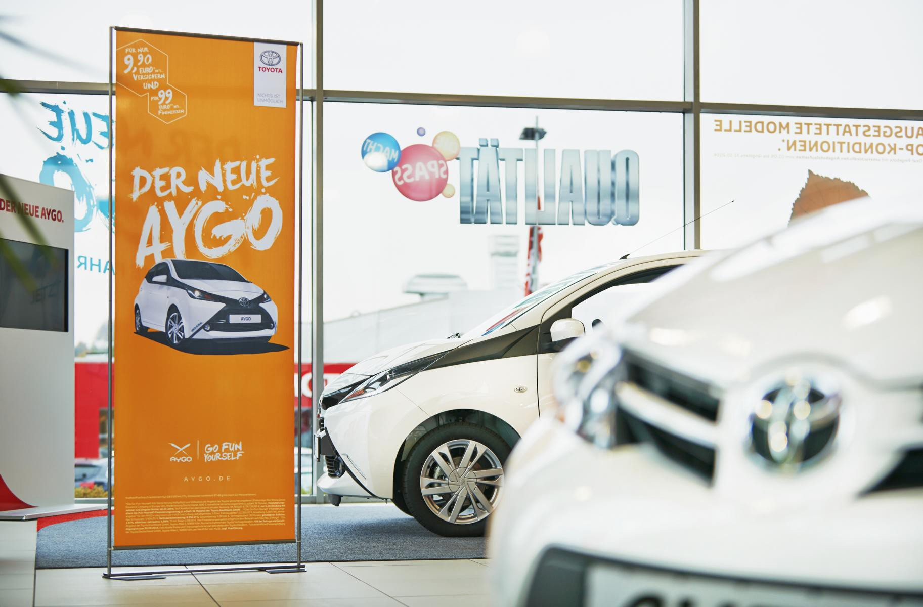 Roll-Up Easymag Stand Toyota