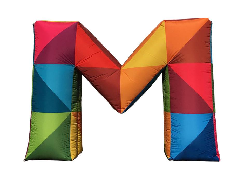 Sonderprojekt-Das-geheimnisvolle-M-Aufblasbares-Logo-Easy-Inflate-AD-bunte-Farben