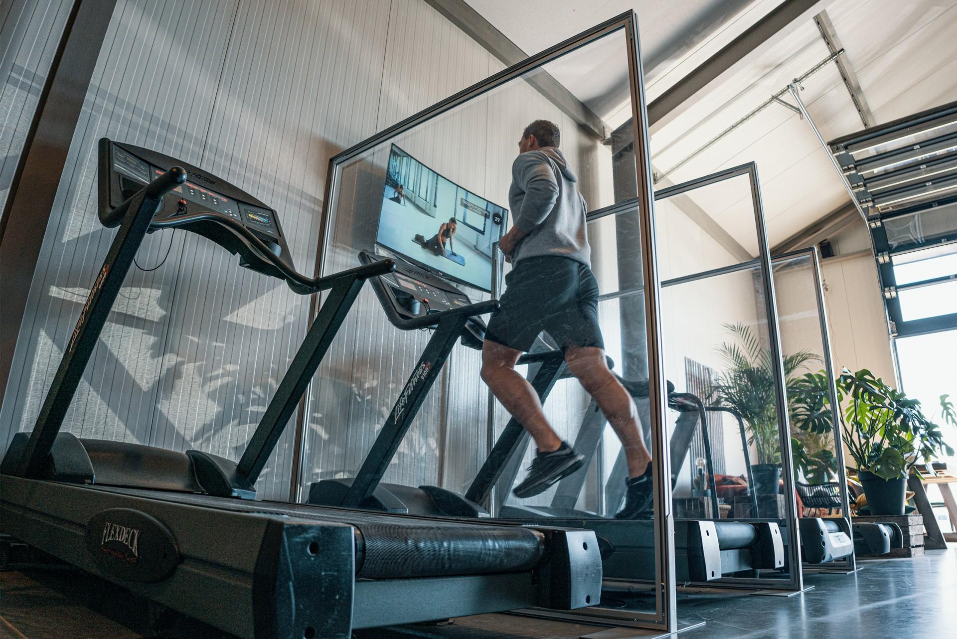 Spuckschutz Aluminiumrahmen Fitnessstudio