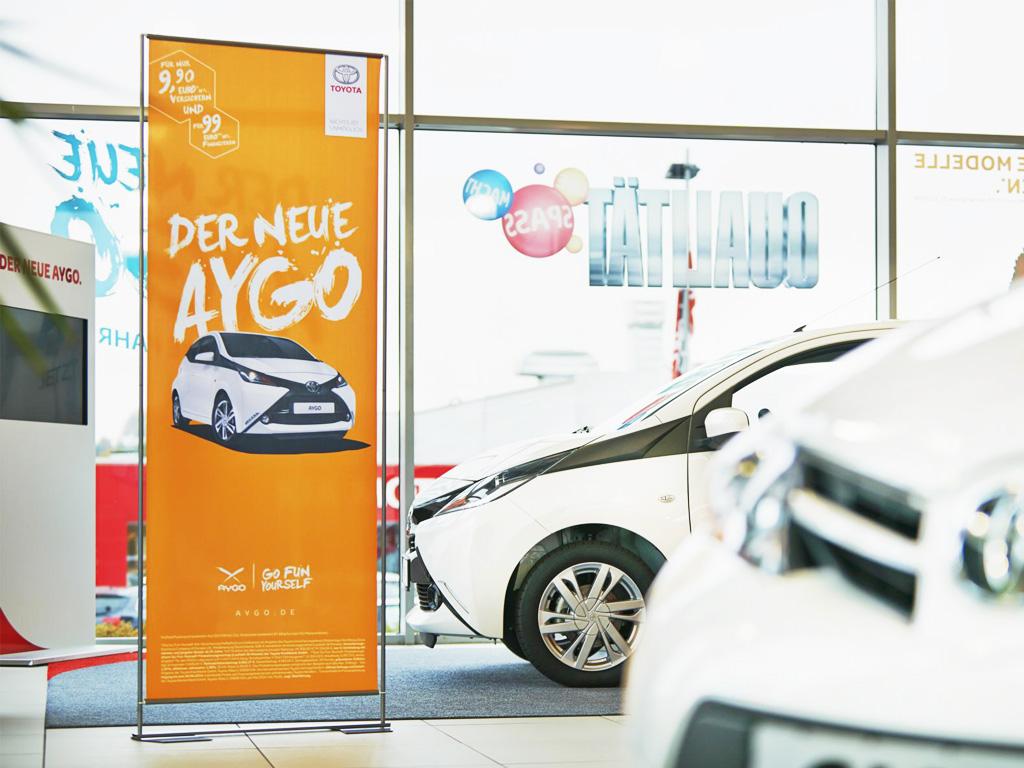Aufsteller Easymag Toyota