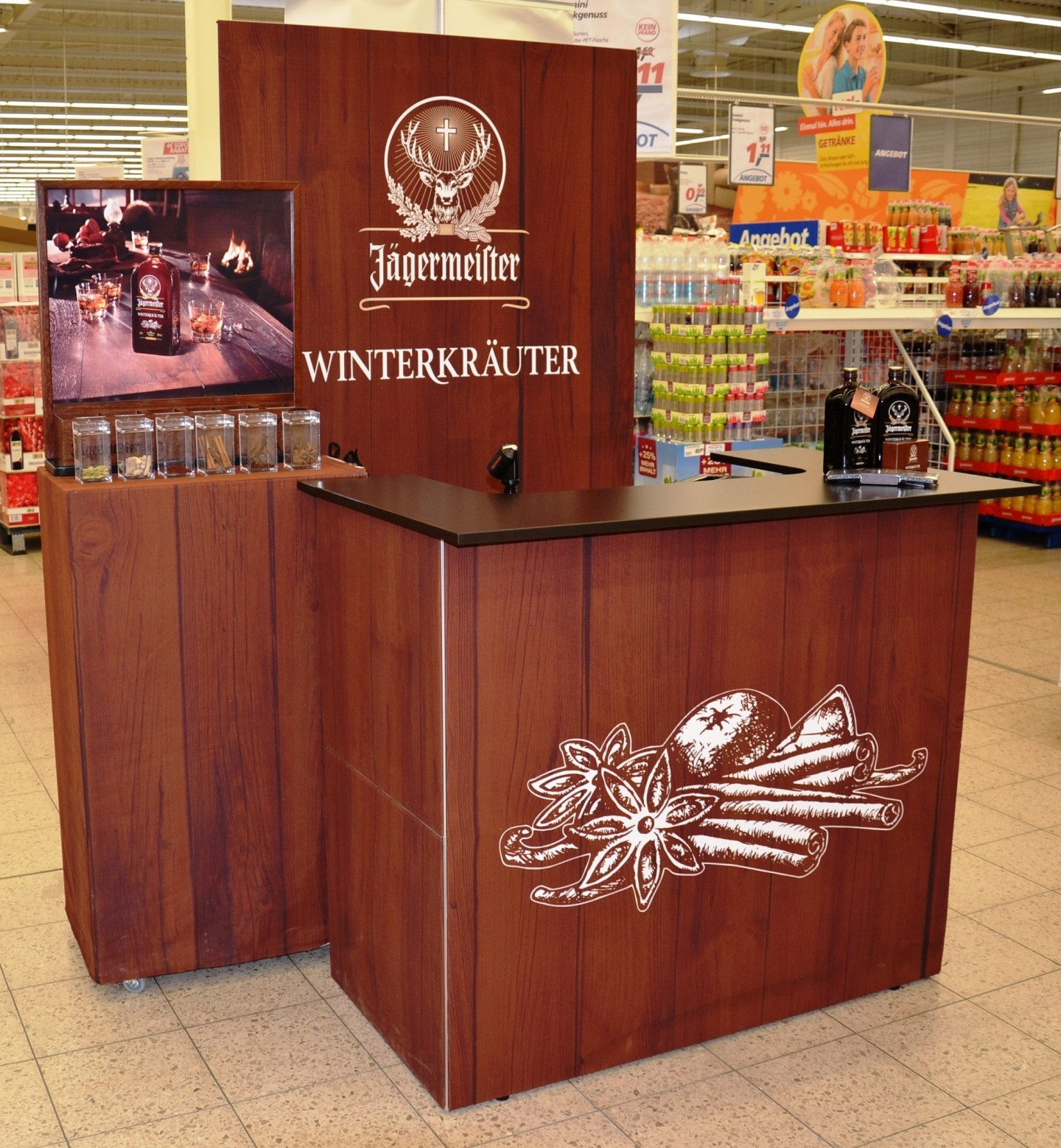 Jägermeister-Theke-im-Supermarkt-Special-Edition-Messetheke-Quickup-Falttheke-Pro